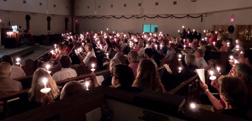 christmas-eve-candlelight-service-2016_2017-01-10-20-22-50.jpg